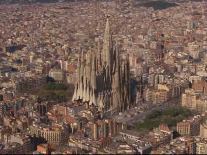 barcelonas-la-sagrada-familia-has-been-under-construction-since-1882--heres-what-it-will-look-like-when-its-done